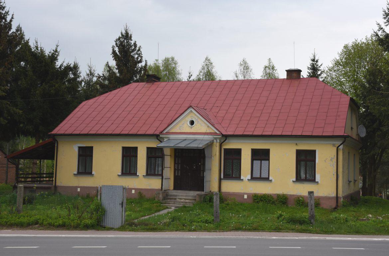 Plebania - Parafia Batorz